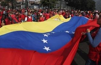 Venezuela'da firari askerlerin sayısı bine yaklaştı