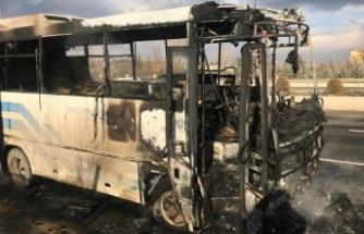 Ankara'da seyir halindeki özel halk otobüsü alev aldı