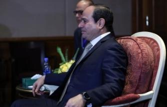 Sisi'den El-Ezher Şeyhi'ne seyahat kısıtlaması