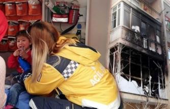 Apartmandaki yangında 3'ü çocuk 10 kişi dumandan etkilendi