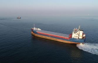 Kandıra'da karaya oturan gemi kurtarıldı