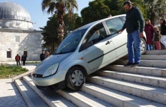 Şansızlığın böylesi! Müzeyi gezmeye gelen aile, şok üstüne şok yaşadı