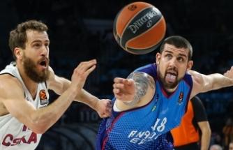 Anadolu Efes ile Barcelona Lassa play-off'u garantiledi