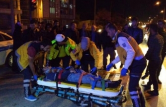 Çarptığı bisiklet sürücüsünü kanlar içinde bırakıp kaçtı