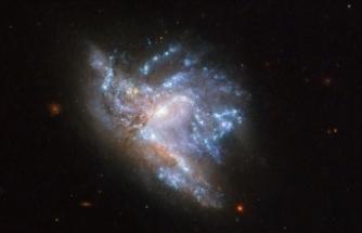 İki galaksi çarpışmasının son evresi