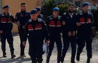 'Jandarma istihbaratçıyız' diyerek ev basıp, altın aradılar