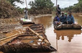 Mozambik'te 15 bin kişi kurtarılmayı bekliyor