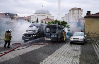 İçerenköy'de park halinde bulunan iki servis aracı ile bir otomobilde yangın