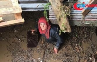 281 kişilik ekip Araklı'daki selde kaybolan 7 kişiyi arıyor