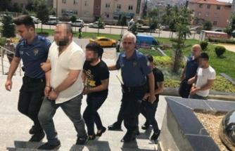 Kadın polislere sözlü tacize 4 gözaltı