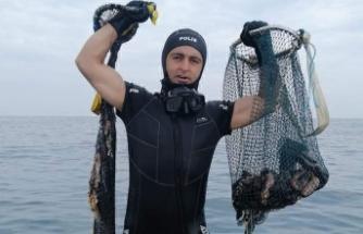 Marmara'da kaçak deniz patlıcanı avına 11 bin lira ceza