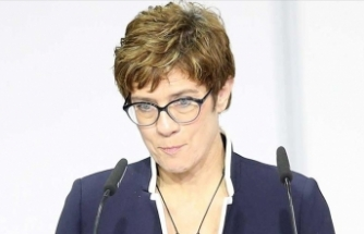 Almanya Savunma Bakanı'ndan Irak'a destek açıklaması