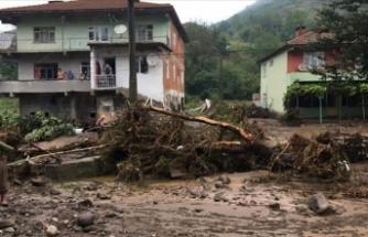Zonguldak'ta sağanak nedeniyle mahsur kalan 10 kişi kurtarıldı