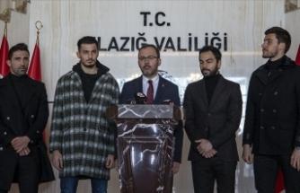 Bakan Kasapoğlu futbolcularla depremin yaşandığı Elazığ'da