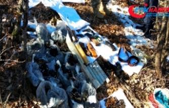 Diyarbakır'da terör operasyonunda patlayıcı, silah ve mühimmat ele geçirildi