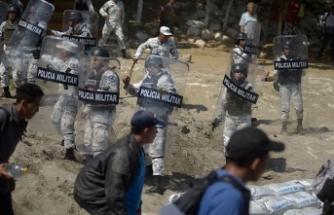 Meksika sınırı yasa dışı geçmeye çalışan 2 bin göçmeni durdurdu