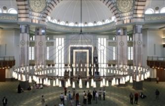 İstanbul'da yarın Cuma namazı kılınacak camiler belli oldu