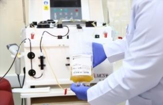 Koronavirüsü yenen doktor, ilk gönüllü plazma bağışçısı oldu