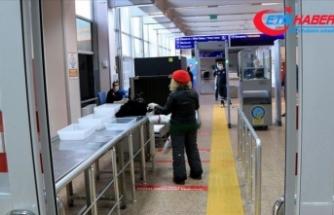 Kovid-19 salgınının gölgesinde hava yoluyla 3 ayda 33,6 milyon yolcu taşındı