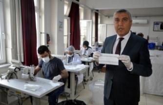 Osmaniye'deki Okullarda günlük 49 bin maske üretiliyor
