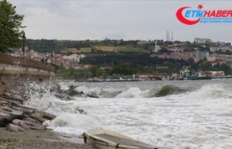 Marmara Denizi'nde ulaşıma lodos engeli