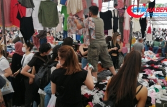 """Bakırköy'de """"Sosyete Pazarına"""" akın ettiler"""