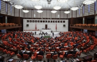 Üç milletvekilinin vekilliklerinin düşürülmesi TBMM'de gerginlik yarattı