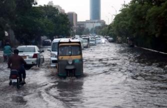 Pakistan'da sel felaketi: 9 ölü