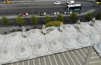 İstanbul'da 472 yıllık tarihi camide tepki çeken klima görüntüsü