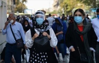 İran'da son 24 saatte 207 kişi Kovid-19'dan hayatını kaybetti