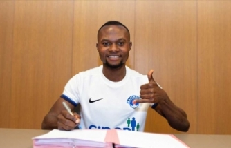 Kasımpaşa, Ganalı futbolcu Gilbert Koomson ile 3 yıllık sözleşme imzaladı