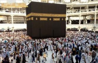 Suudi Arabistan, 4 Ekim'den itibaren umre ziyaretlerini kademeli olarak başlatacak