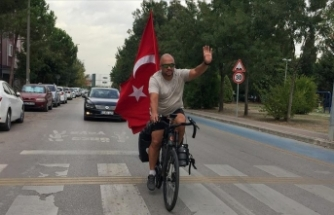 Türk tarihini ve kültürünü tanıtmak için Köln'den bisikletiyle yola çıkan Pak Kocaeli'ye ulaştı