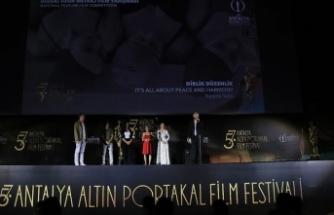 57. Antalya Altın Portakal Film Festivali'nde 'Dirlik Düzenlik' ve 'Koku' filmlerinin gösterimi yapıldı