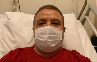 Kovid-19 tedavisi gören Muhittin Böcek'ten sağlık durumuna ilişkin açıklama