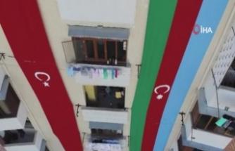 Savaş bölgesindeki Azerbaycanlı vatandaşlar Türkiye'nin Cumhuriyet Bayramını kutladı
