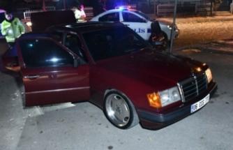 Dur ihtarına uymayan sürücü otomobili bırakıp kaçtı