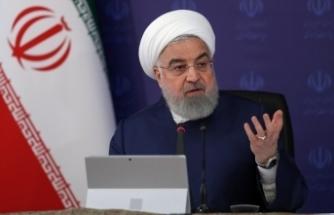 """İran Cumhurbaşkanı Ruhani: """"En az 5-6 ay daha sağlık protokollerine uymaya devam etmeliyiz"""""""