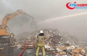 Zeytinburnu'nda geri dönüşüm tesisinde yangın: Dumandan göz gözü görmedi