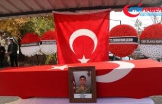 Hakkari'de araç kazasında şehit olan askerin cenazesi Kütahya'da toprağa verildi