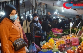 İstanbul'da sokağa çıkma kısıtlaması öncesi alışveriş yoğunluğu yaşandı