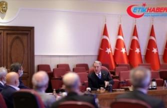 Milli Savunma Bakanı Akar: Orduyu 'satılmış' kelimesiyle yan yana koymak akla ziyan bir husus