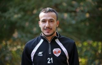 """Adanasporlu futbolcu Atalay Babacan: """"Galibiyet serisini devam ettirmek istiyoruz"""""""