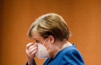 """Almanya Başbakanı Merkel: """" Pandemi gelecek aylarda ve yıllarda da hayatımızı etkileyecek"""""""
