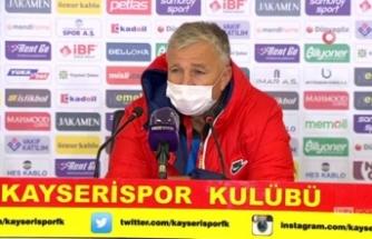 """Dan Petrescu: """"Son şampiyona karşı iyi mücadele gösterdik"""""""