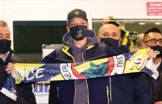 Fenerbahçe, Mesut Özil'in transferi için Arsenal ile anlaştığını açıkladı