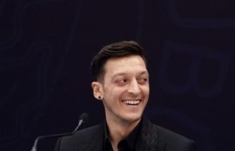 """Fenerbahçe'nin yeni transferi Mesut Özil: """"Çok heyecanlı ve mutluyum"""""""