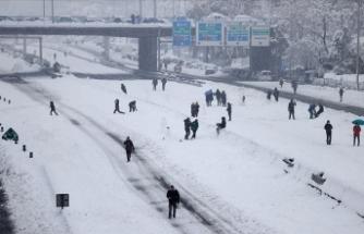 İstanbul'da kar yerini güneşe bıraktı ama hafta sonu çok daha yoğun bir yağış bekleniyor