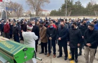 MHP'li Kamil Aydın'ın, annesi son yolculuğa uğurlandı