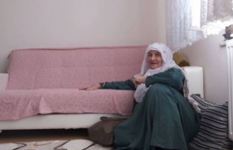 """İkinci doz aşıyı olan Fatma Nine: """"Rabbim devletimizi kaim eylesin"""""""